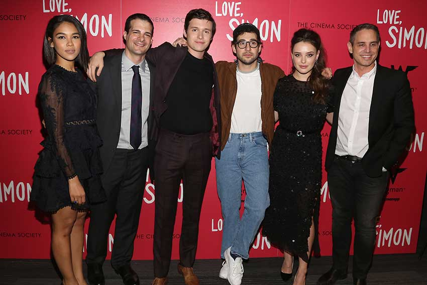 Love, Simon Cast & Dir. Greg Berlanti Hope Movie Inspires Gay Teens
