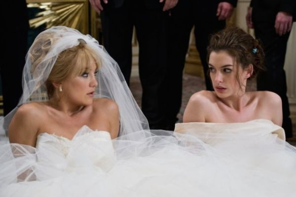 BRIDE WARS Kate Hudson and Anne Hathaway