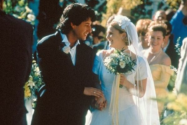THE WEDDING SINGER Adam Sandler and Drew Barrymore