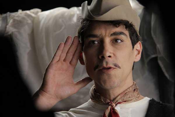 Cantinflas-movie-image-Oscar-Jaenada-600