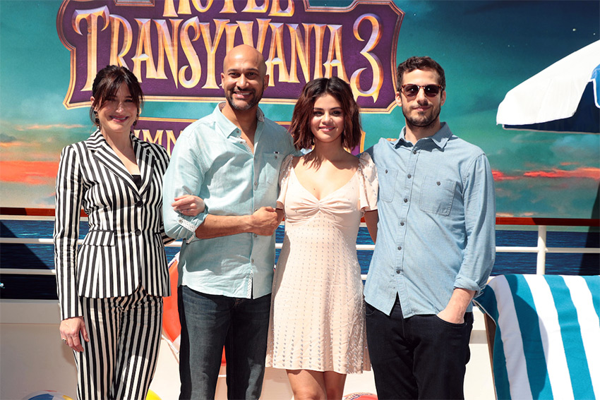 Hotel Transylvania 3 S Selena Gomez And Kathryn Hahn Talk Summer Vacation Interviews Articles