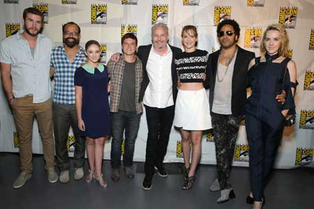 Hunger-Games-Catching-Fire-Cast-Comic-Con-Panel