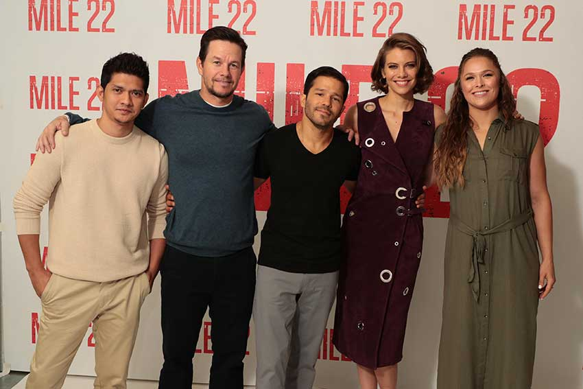 Mark Wahlberg Iko Uwais Carlos Alban Lauren Cohan Ronda Rousey Mile 22 Movie Premiere