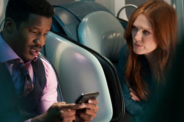 Nate Parker and Julianne Moore in NON-STOP