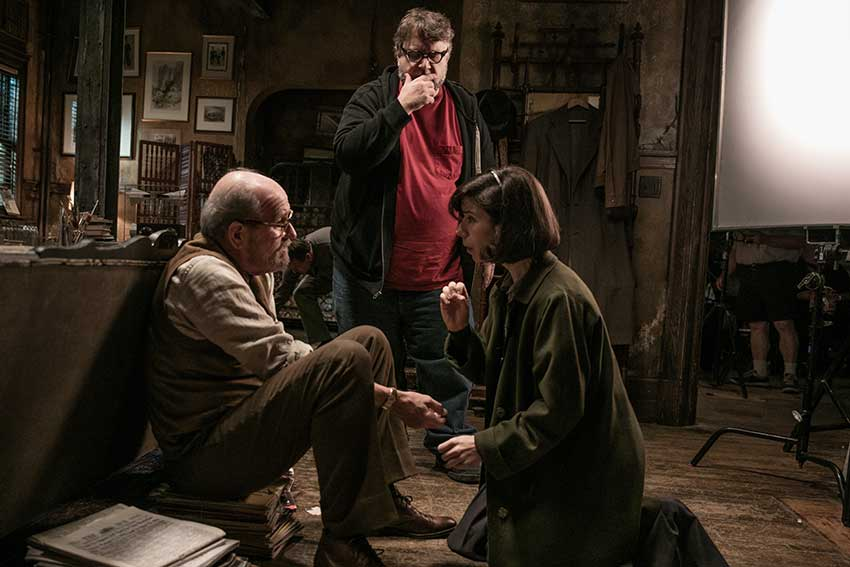 Richard Jenkins Guillermo del Toro and Sally Hawkins on the set of THE SHAPE OF WATER Photo by Kerry Hayes. © 2017 Twentieth Century Fox Film Corporation All Rights Reserved