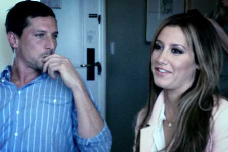 Scary Movie 5 S Ashley Tisdale Talks Lindsay Lohan And Nerve Racking Lesbian Scene Interviews Articles
