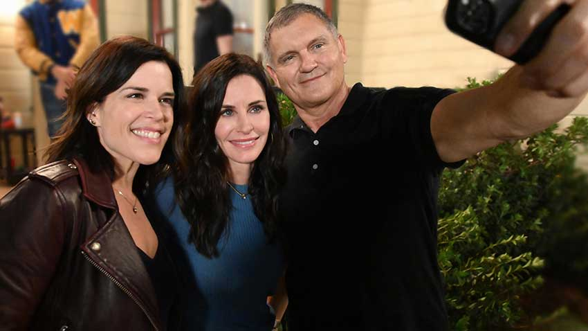 Scream 5 set Neve Campbell Courtney Cox Kevin Williamson